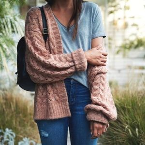 Kendall & Kylie Chunky Cable Knit Cardigan Tan